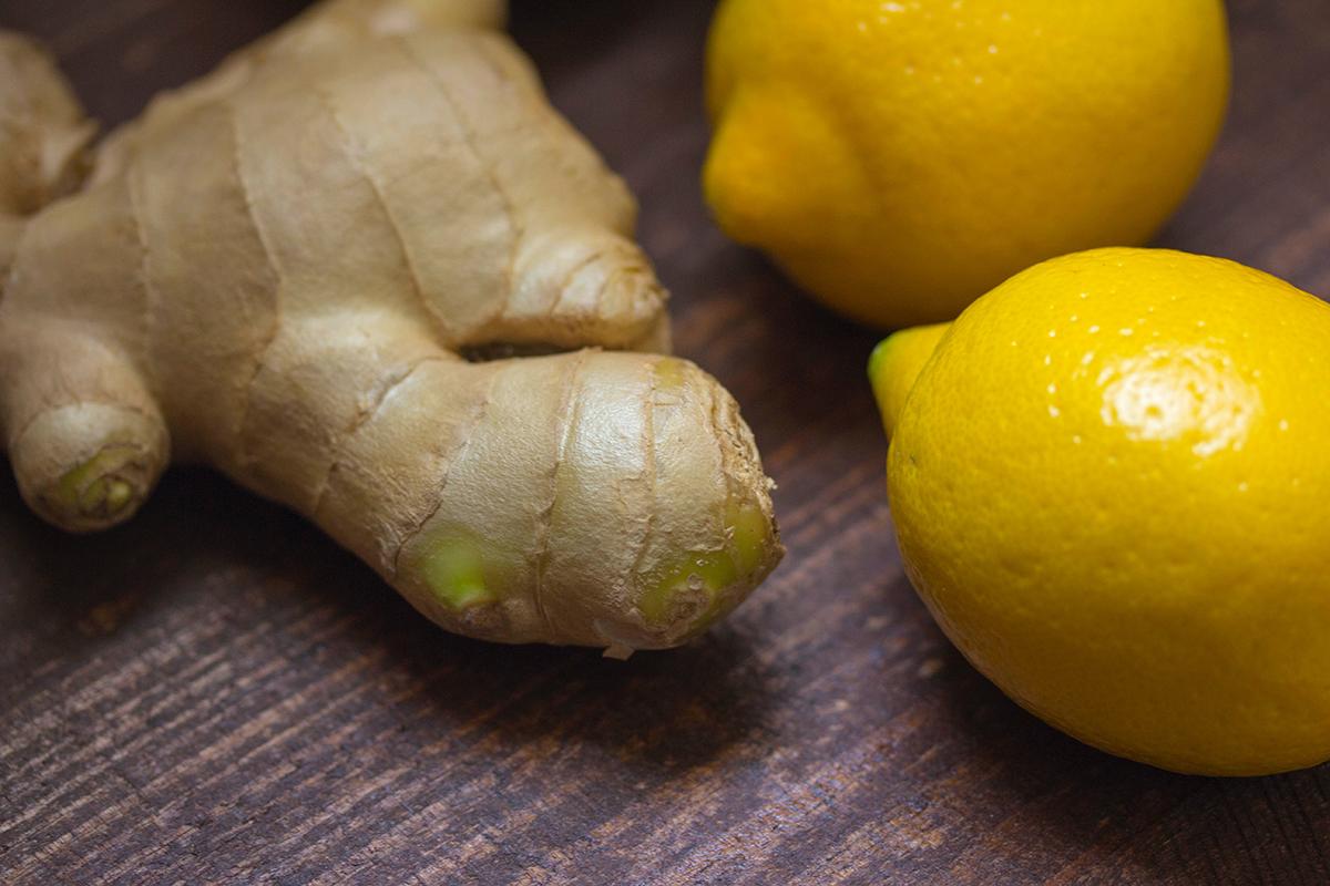 Radice di zenzero e limone