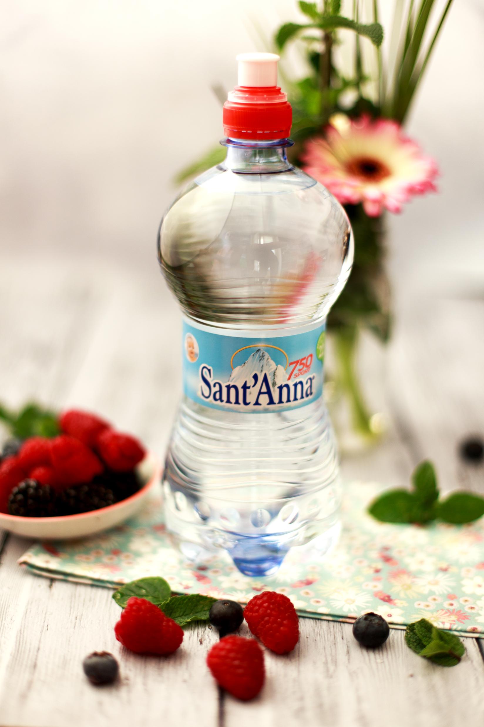 Acqua Sant'Anna aromatizzata alla frutta fresca