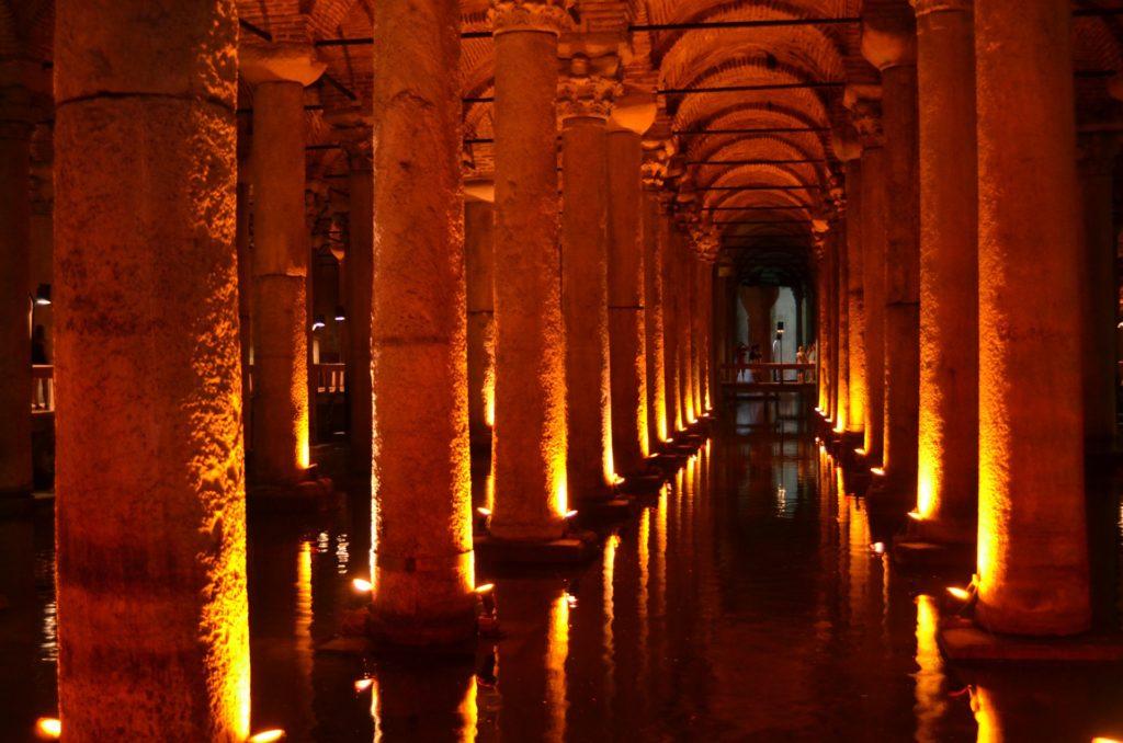 Porzione sotterranea di acquedotto romano a Istambul
